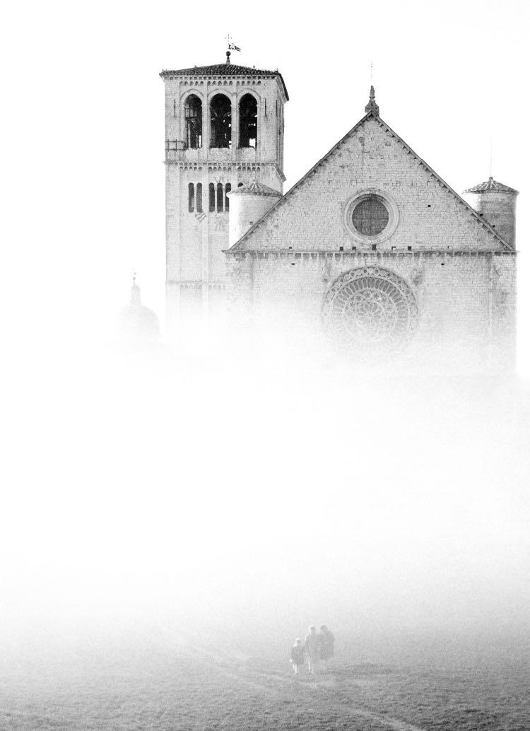Basilica nella nebbia - Assisi 1957_E0000054